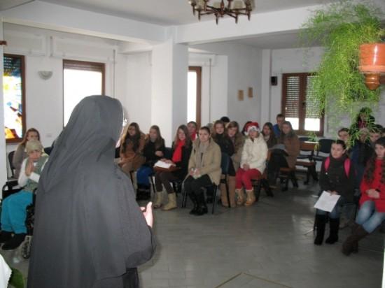 fundatia-serafim-roman-vizita-batranii007